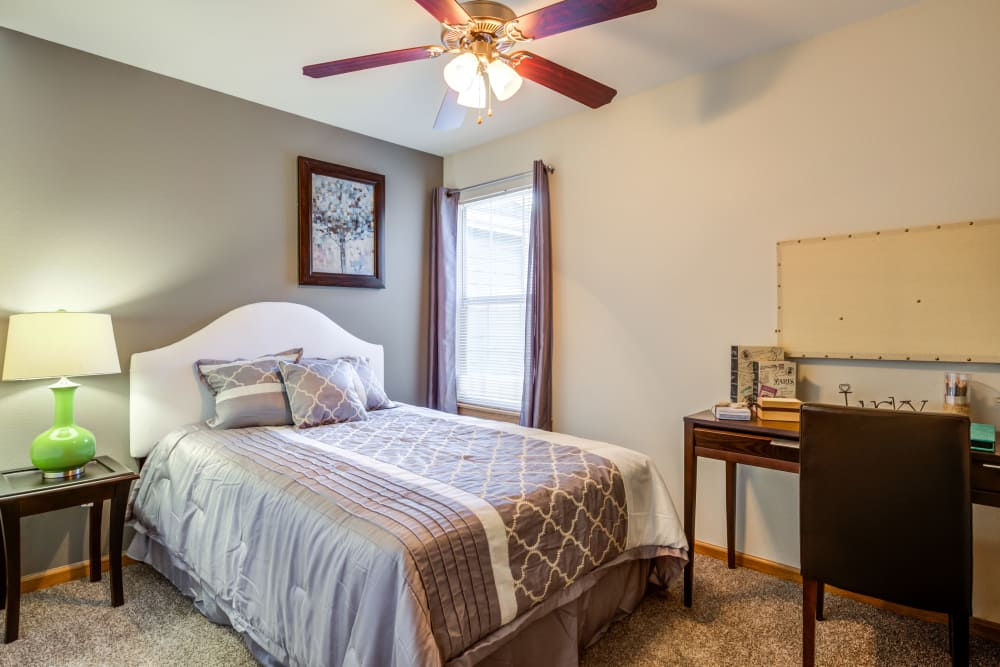 Spacious bedrooms at Aberdeen Apartments apartments
