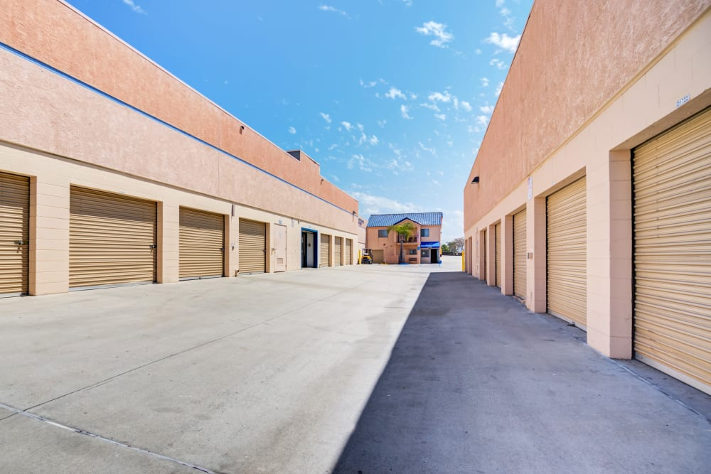 Wide drive aisles at Otay Mesa Self Storage