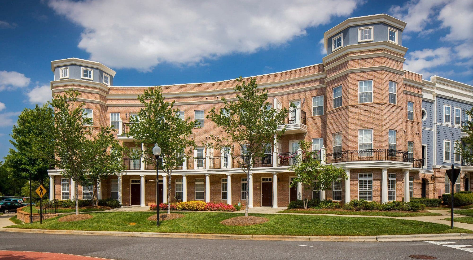 Charlotte Apartments & Townhomes | Worthington Luxury ...