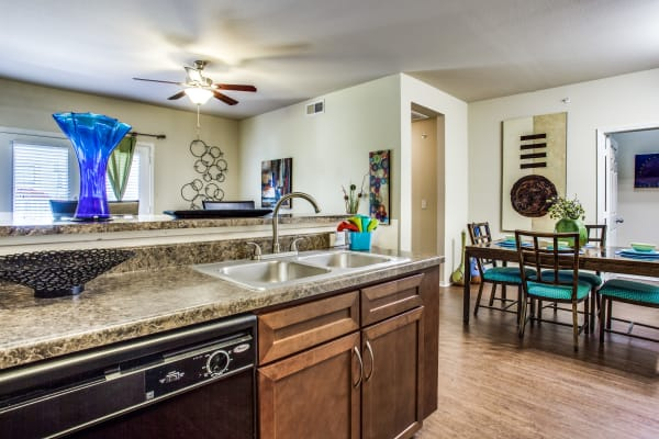 Arioso Apartments & Townhomes in Grand Prairie, TX has luxury apartments for rent; schedule your tour today!