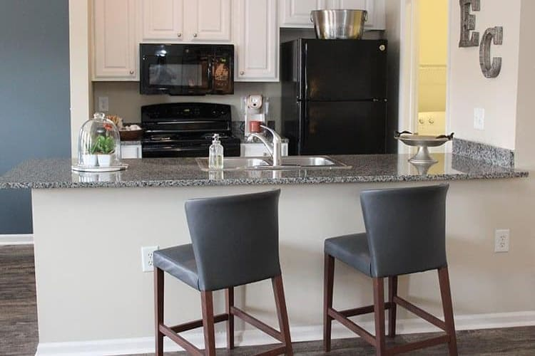 Full-equipped kitchen at Easton Commons in Columbus, Ohio