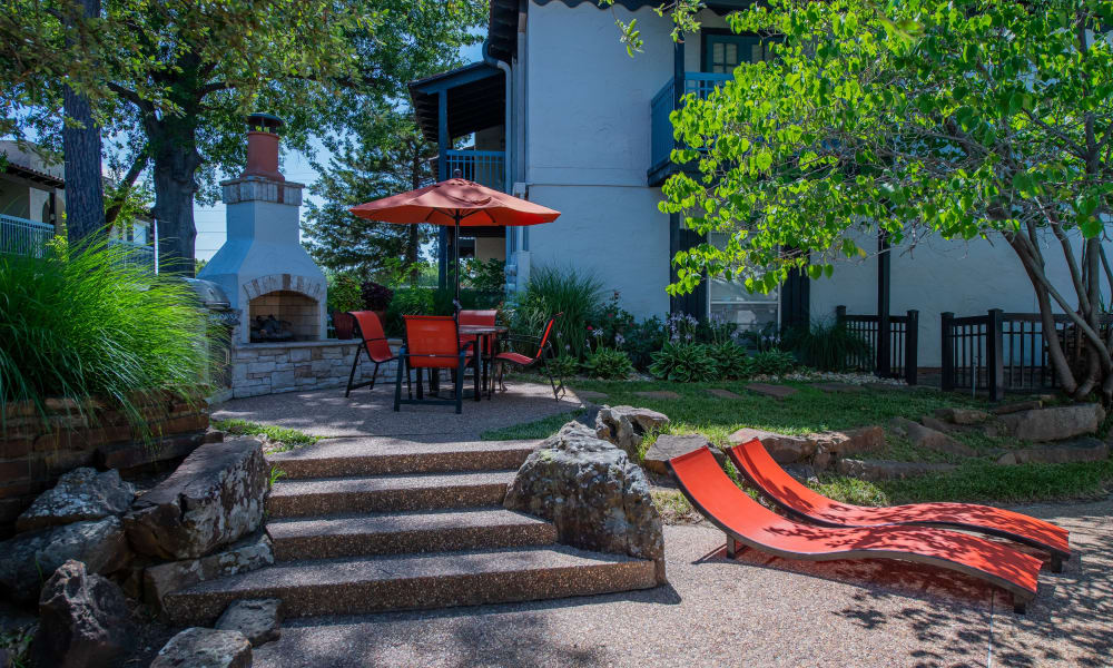 Barcelona Apartments offers a grill and chill area in Tulsa, Oklahoma