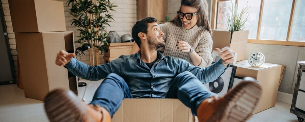 A couple has an enjoyable moving experience in Fort Wright, Kentucky