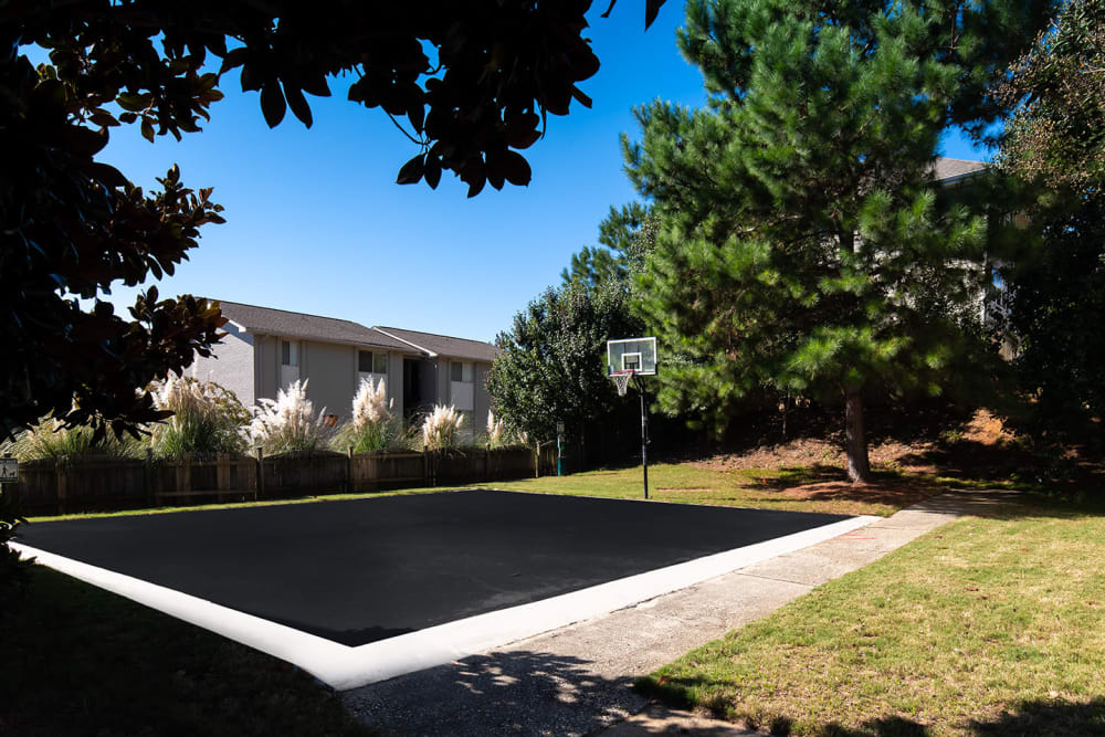 Basketball Eagles West Apartments in Auburn