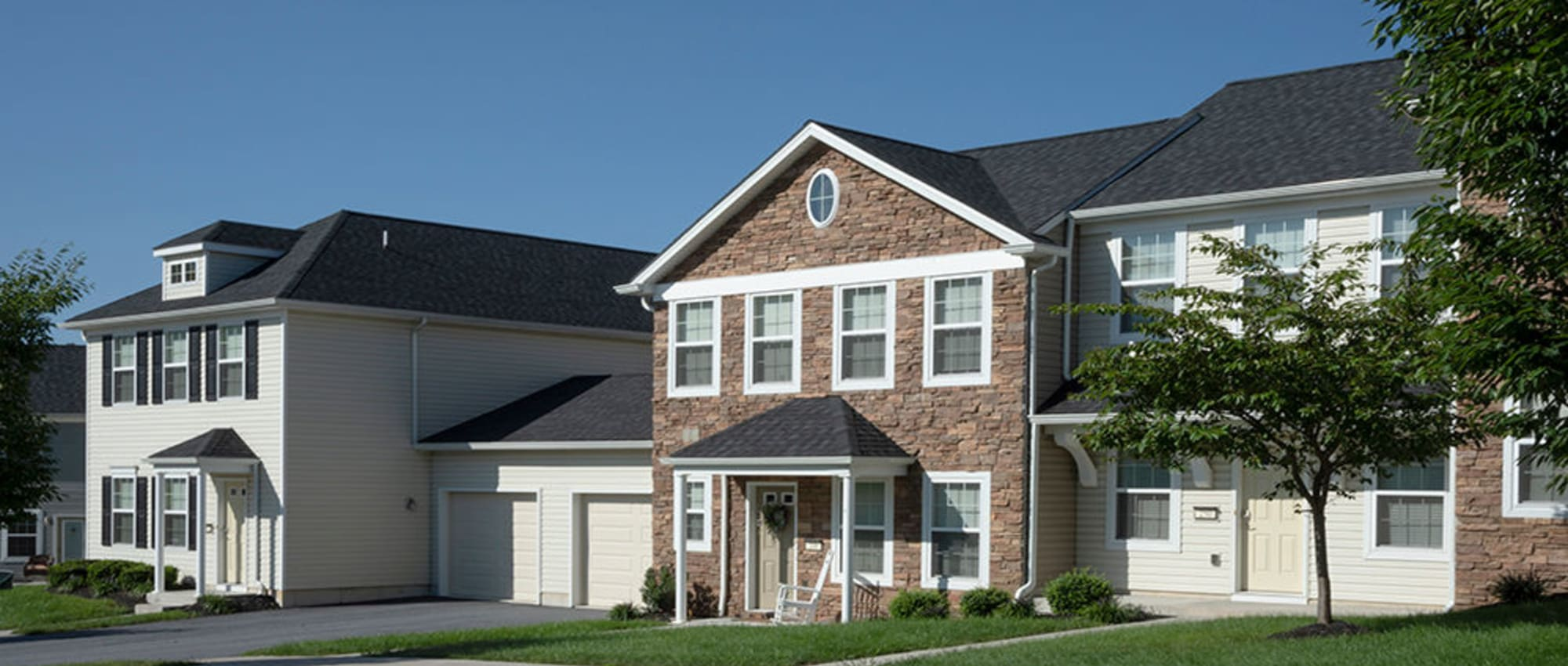 Apartments at The Village of Laurel Ridge & The Encore Apartments & Townhomes in Harrisburg, Pennsylvania