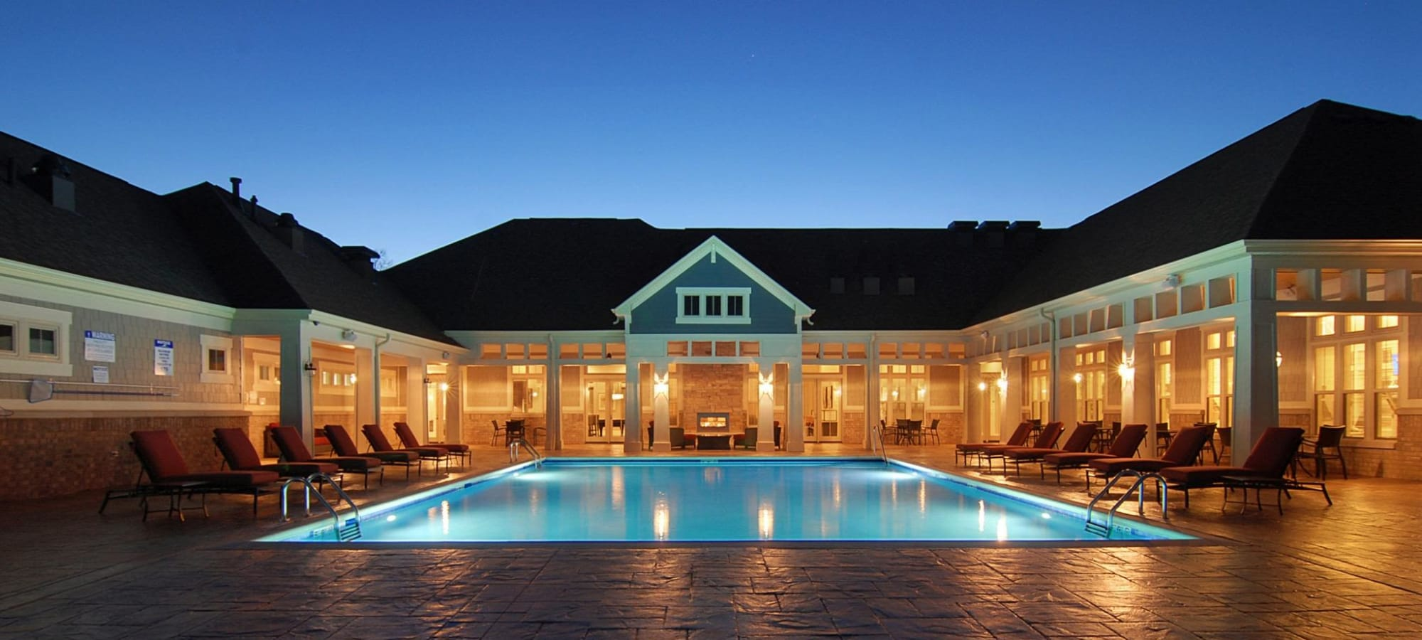 Apartments at The Oaks Of Vernon Hills in Vernon Hills, Illinois