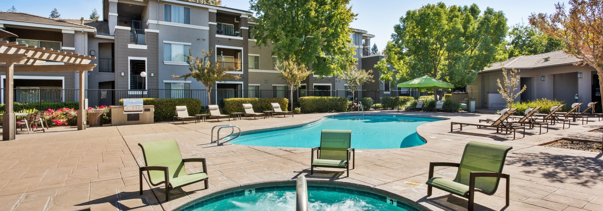 Amenities at Miramonte and Trovas in Sacramento, California