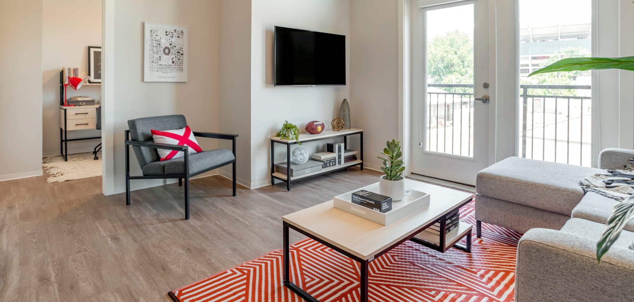 Fully furnished apartments UNCOMMON Tuscaloosa in Tuscaloosa, Alabama