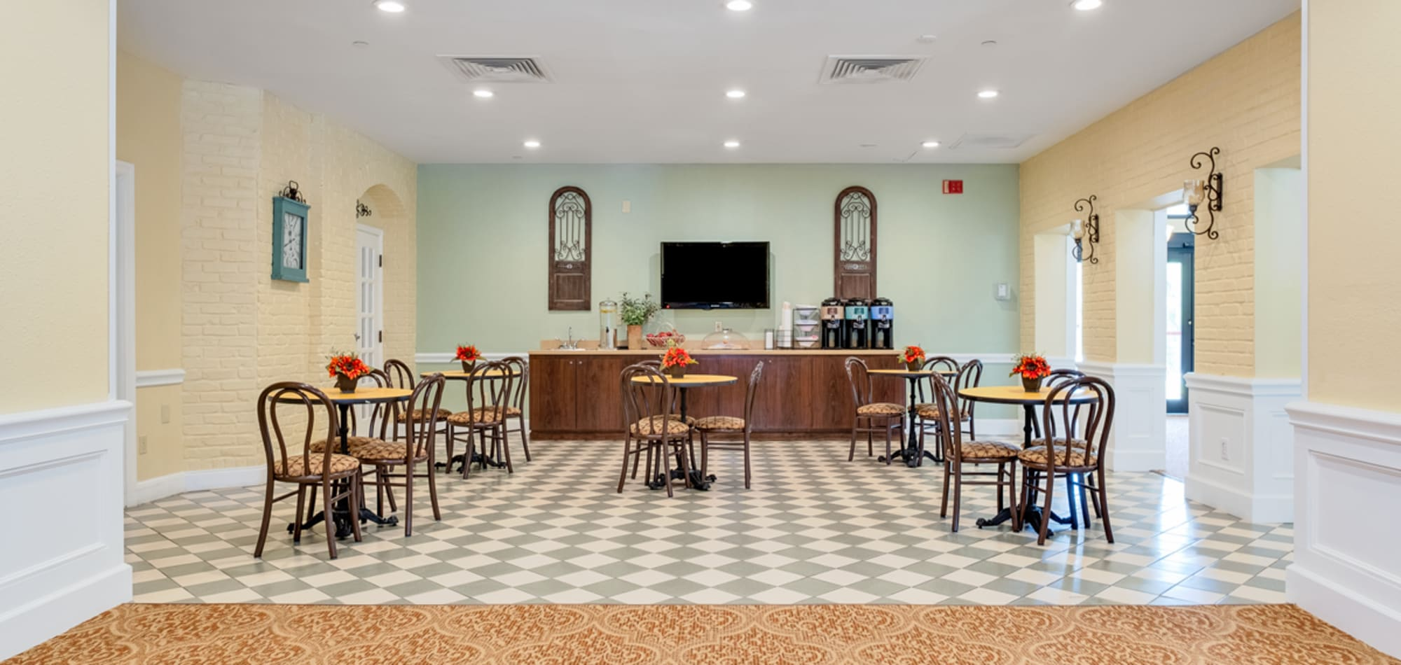 Grand Villa of Boynton Beach in Florida senior living