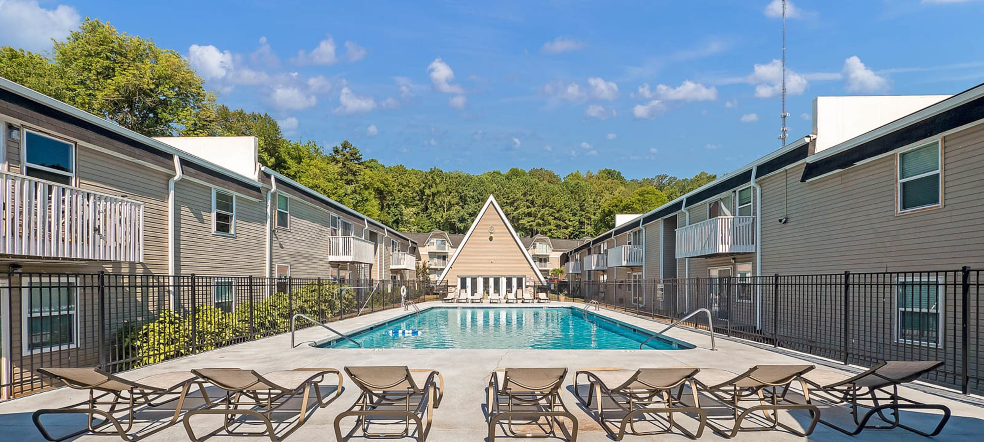 Apartments at The Reserve at Red Bank in Chattanooga, Tennessee