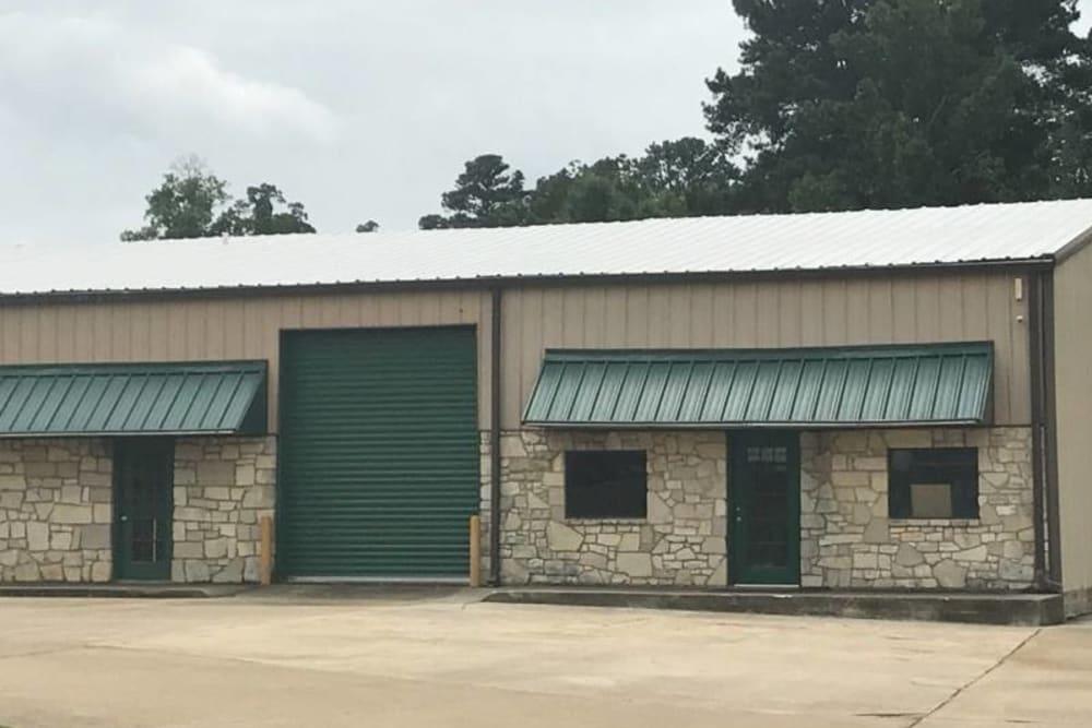 Exterior Texarkana, Texas near Lockaway Storage