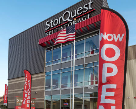 Front of building at StorQuest Self Storage in Federal Way, Washington