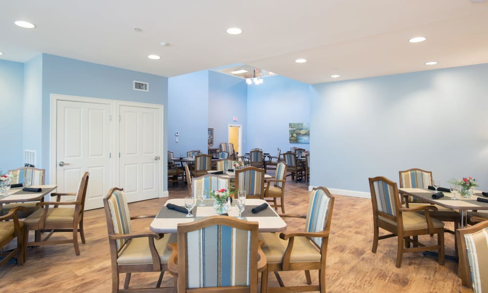 Enjoy your dinner at Keystone Place at Newbury Brook's dining room in Torrington, Connecticut