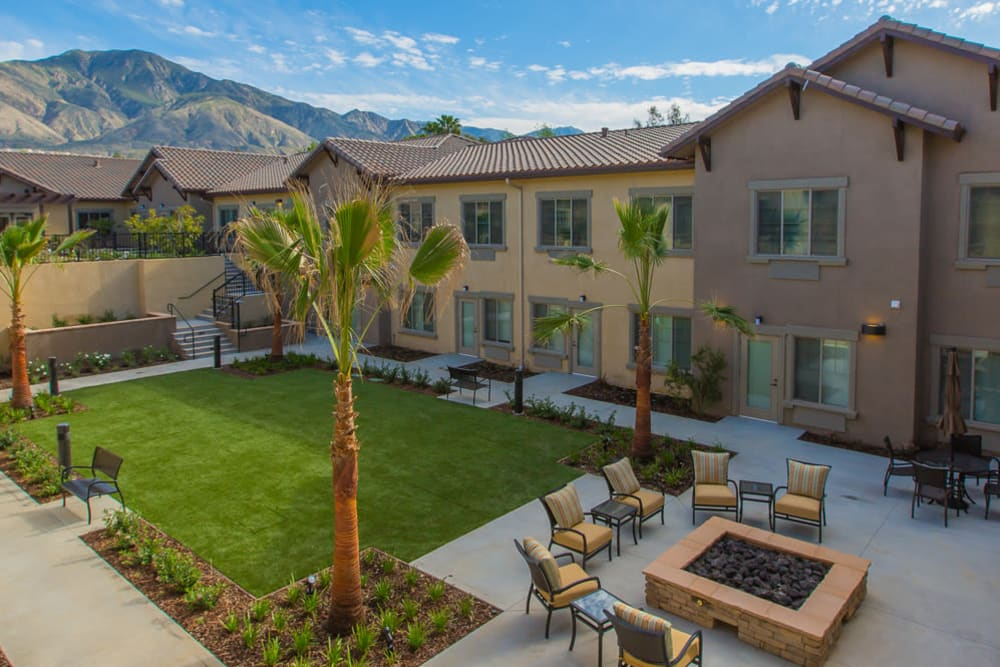 The community courtyard at Brightwater Senior Living of Highland in Highland, California
