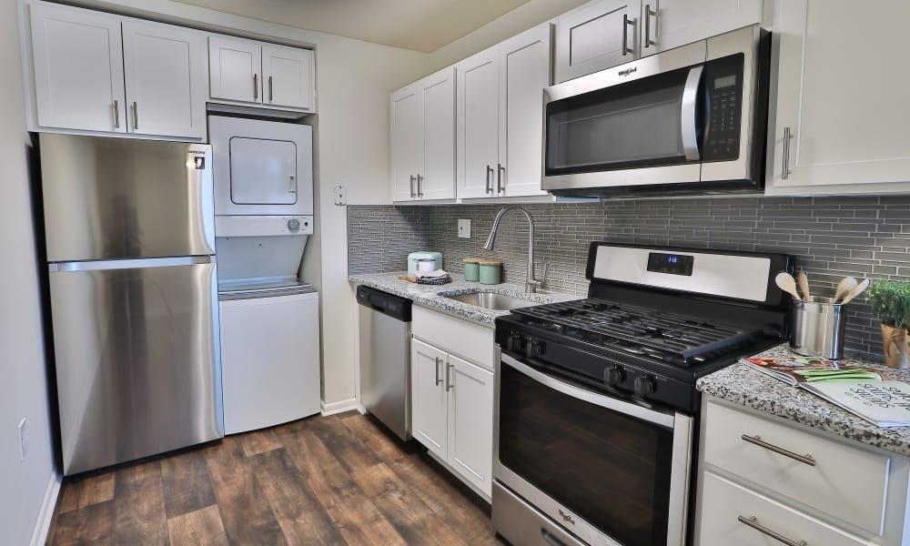 Spacious Kitchen to Eagle's Crest Apartments in Harrisburg, Pennsylvania