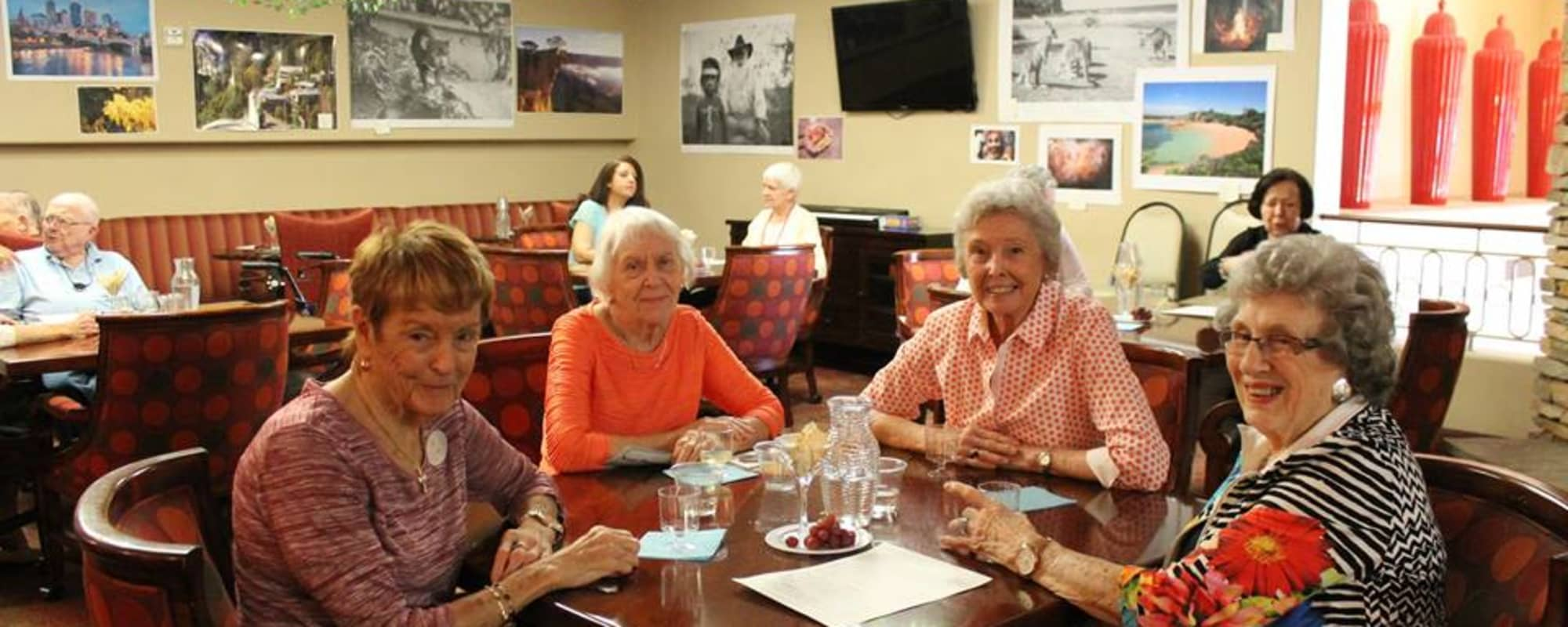 Seniors enjoying dinner at McDowell Village in Scottsdale, Arizona