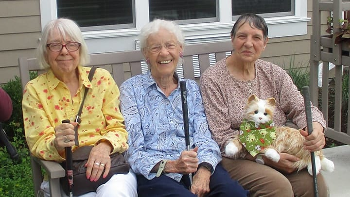 Golf and memory care residents