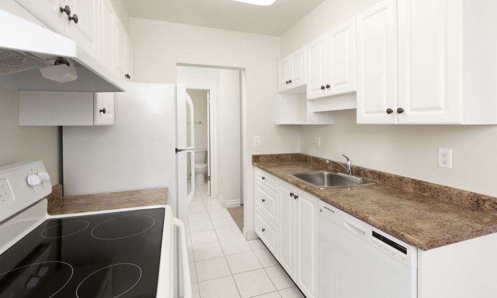 Kitchen at Fraser Tolmie Apartments | Apartments in Saanich Victoria, British Columbia