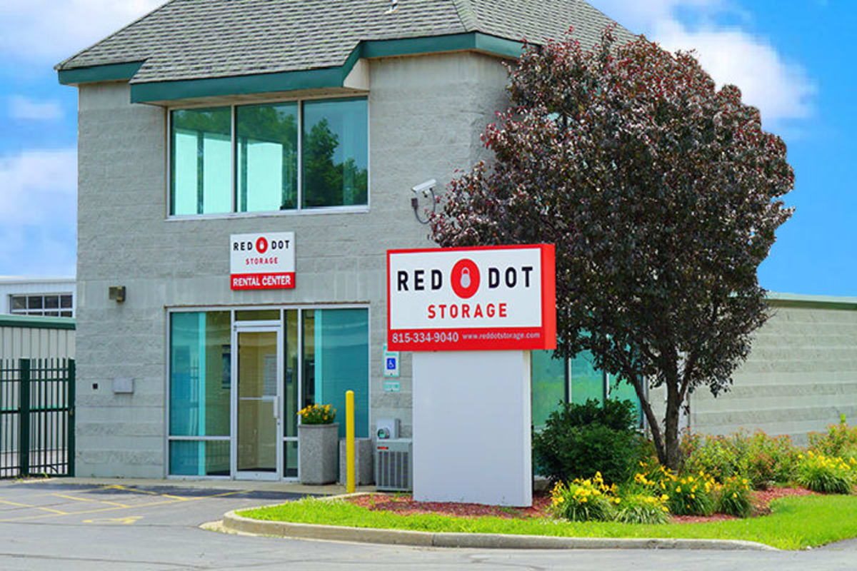 Exterior of a Red Dot Storage in Boulder, Colorado location