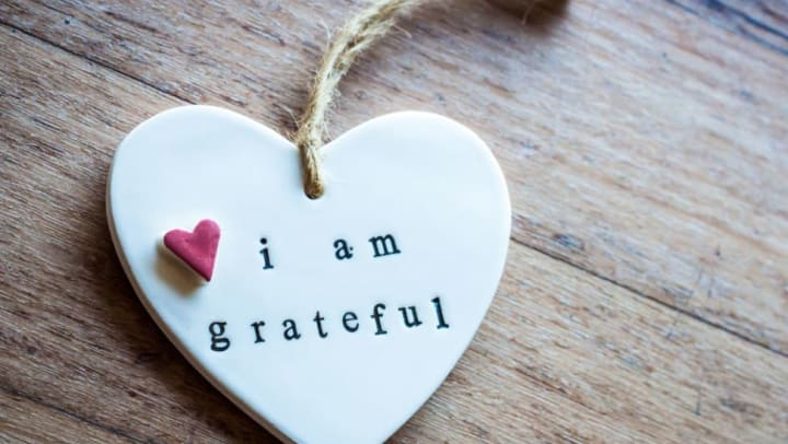 I am grateful heart pendant