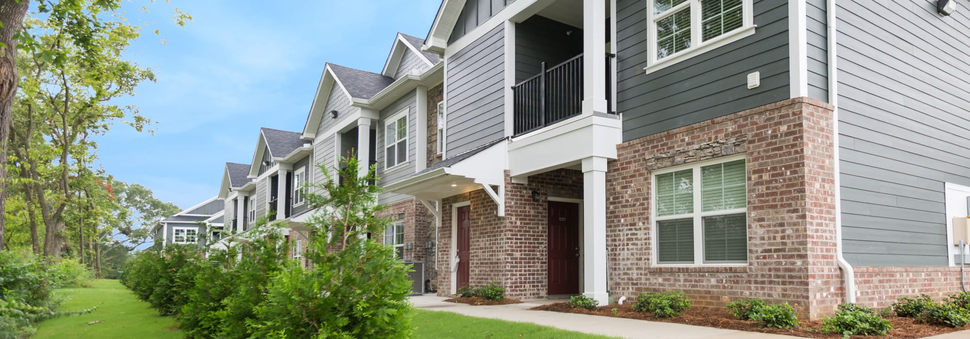 Apartments at Oakwood Estates in Hixson, Tennessee