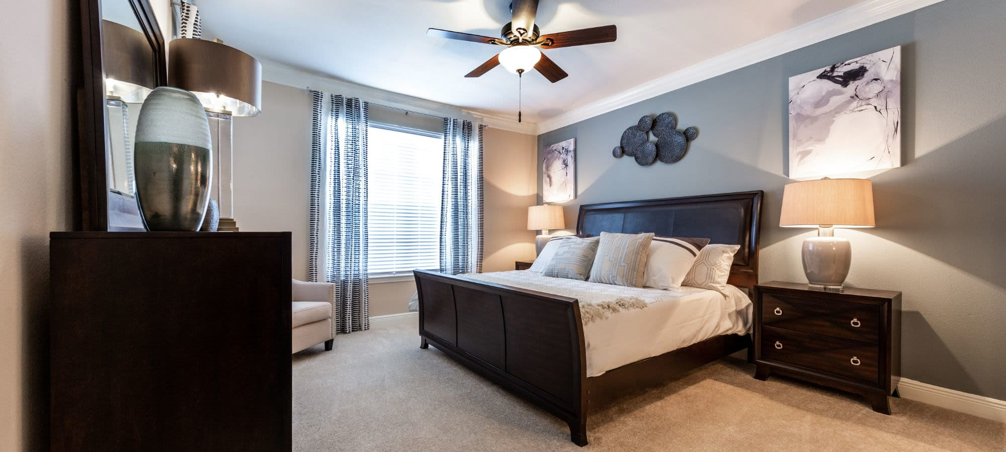 Apply to live at Marquis on Pin Oak in Houston, Texas