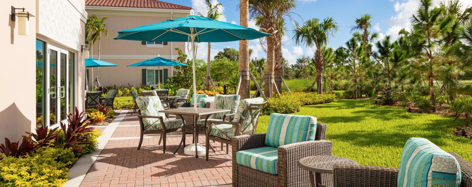 Schedule a senior living tour in Palm Beach Gardens