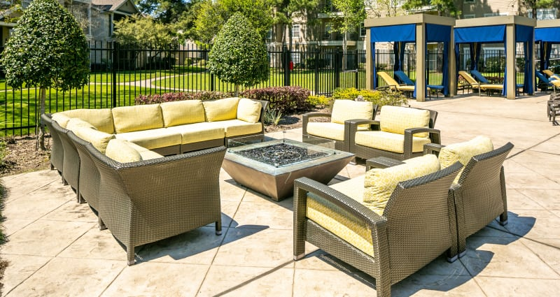 A beautiful back patio with comfortable seating at The Fuse at Park Row in Houston, Texas
