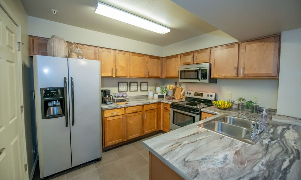 Large kitchen at Cascata Apartments in Tulsa, Oklahoma