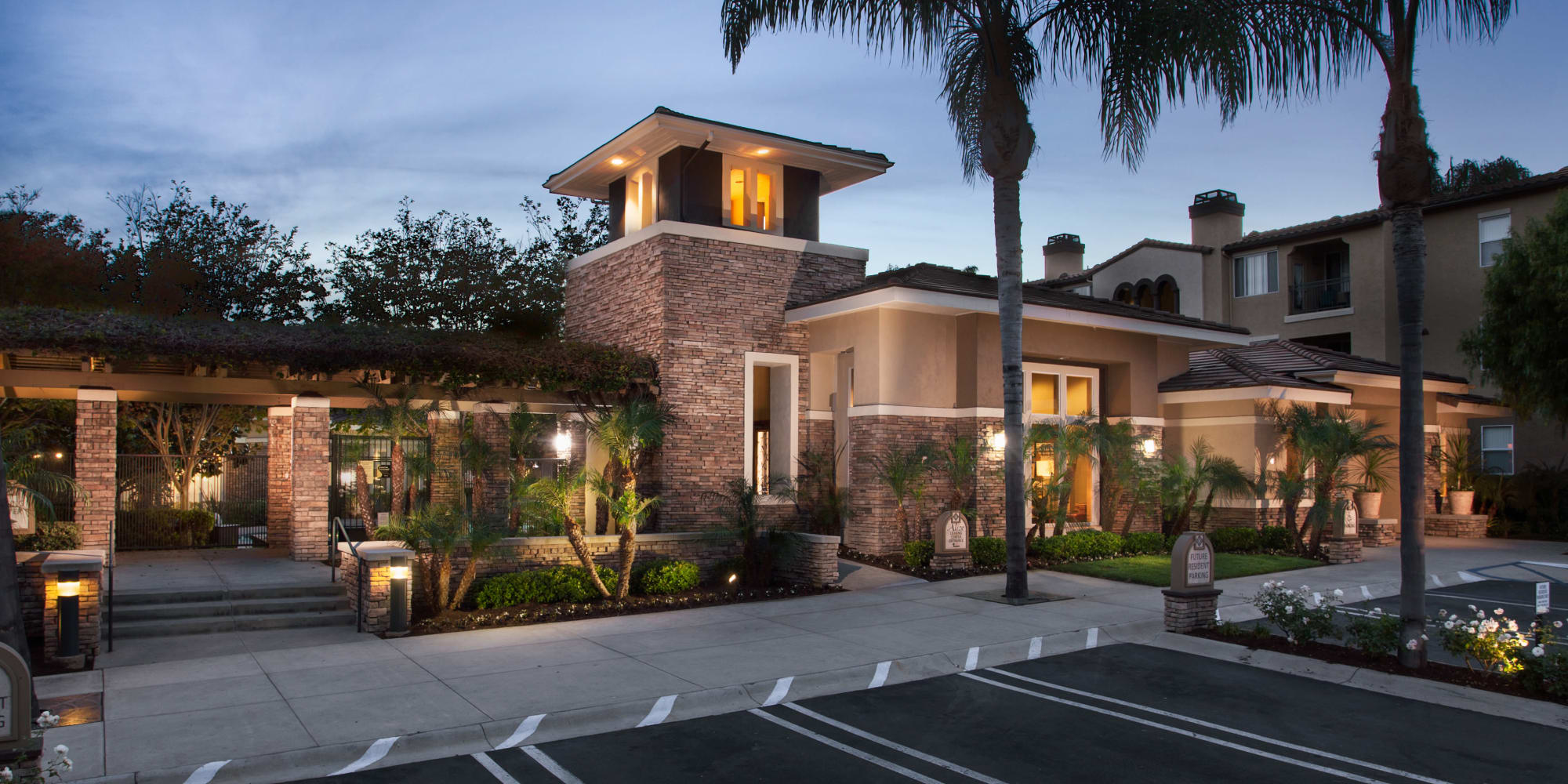 Apartments at Alize at Aliso Viejo Apartment Homes in Aliso Viejo, California