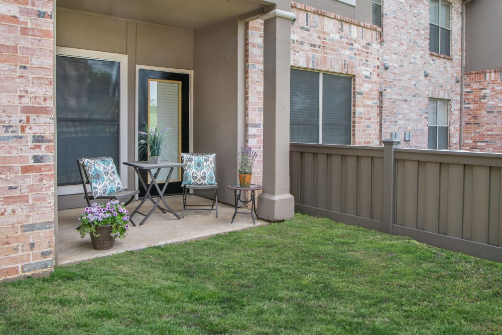 Apartments with a Private Patio in Carrollton, Texas
