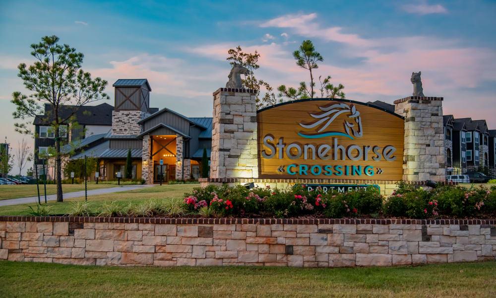 Beautiful property sign at Stonehorse Crossing Apartments in Oklahoma City, Oklahoma