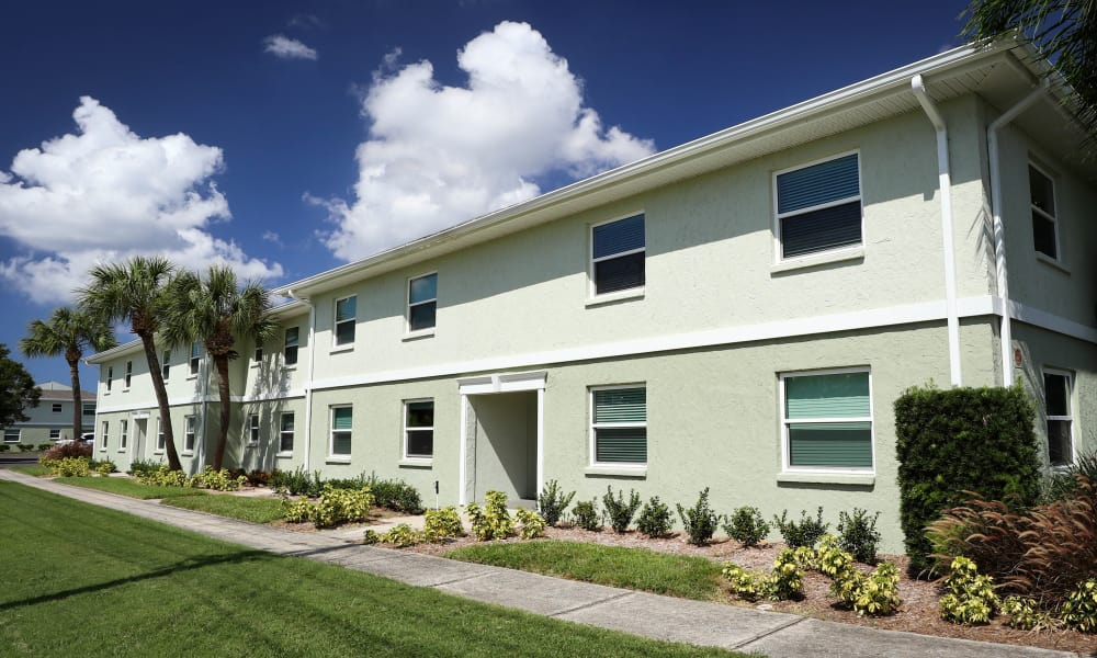 Fully renovated building exterior at Ridgeview in Seminole, Florida