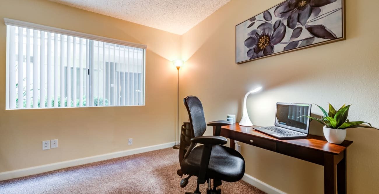 A spacious home office with carpet at The Ritz in Studio City, California