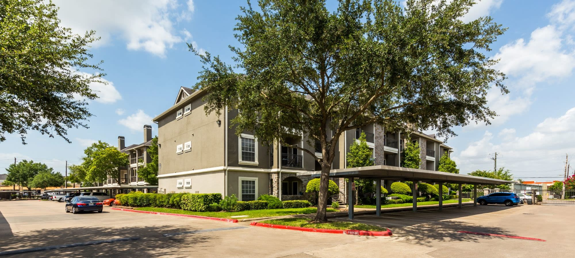 Apply to live at Marquis on Westheimer in Houston, Texas