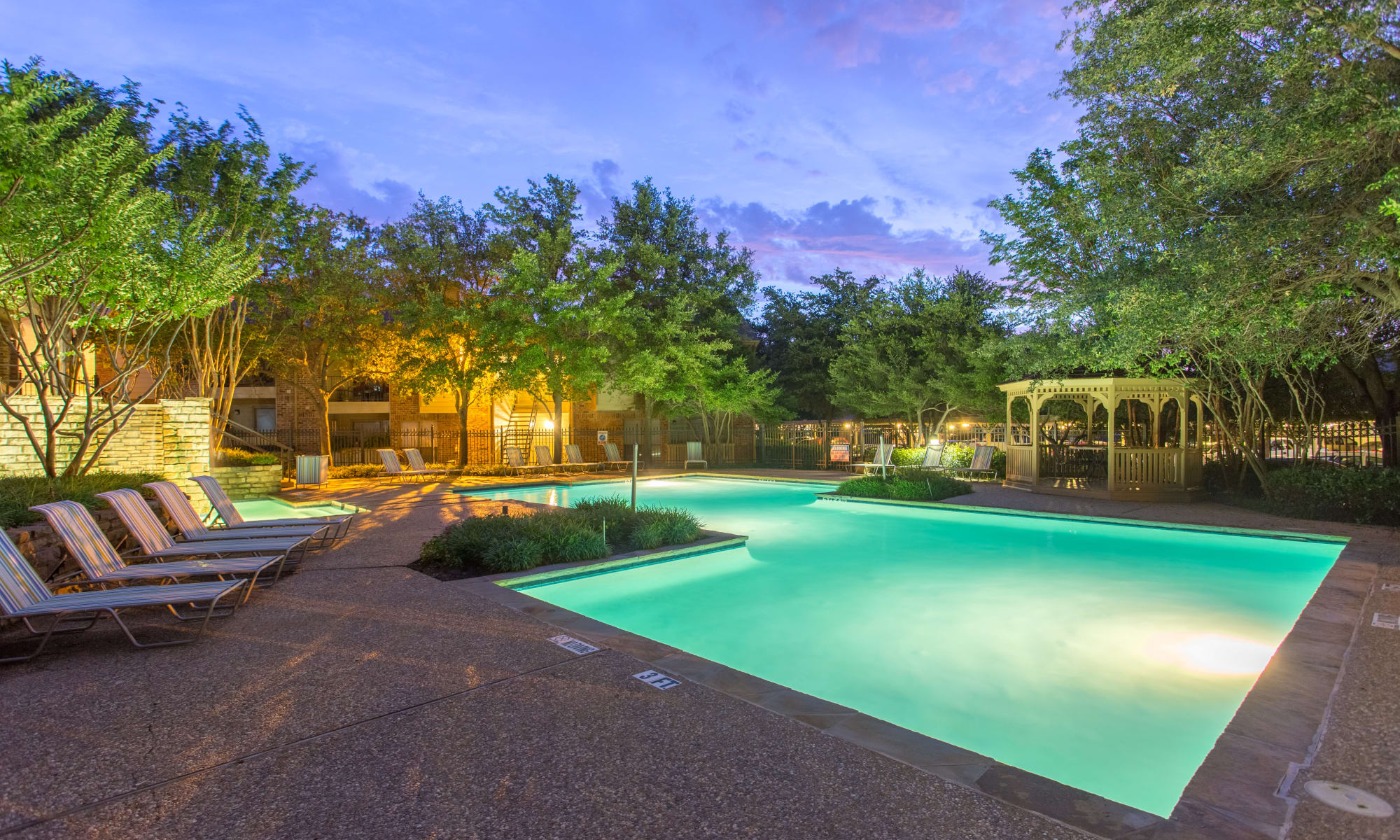 Apartments at Canopy on Central in Bedford, Texas