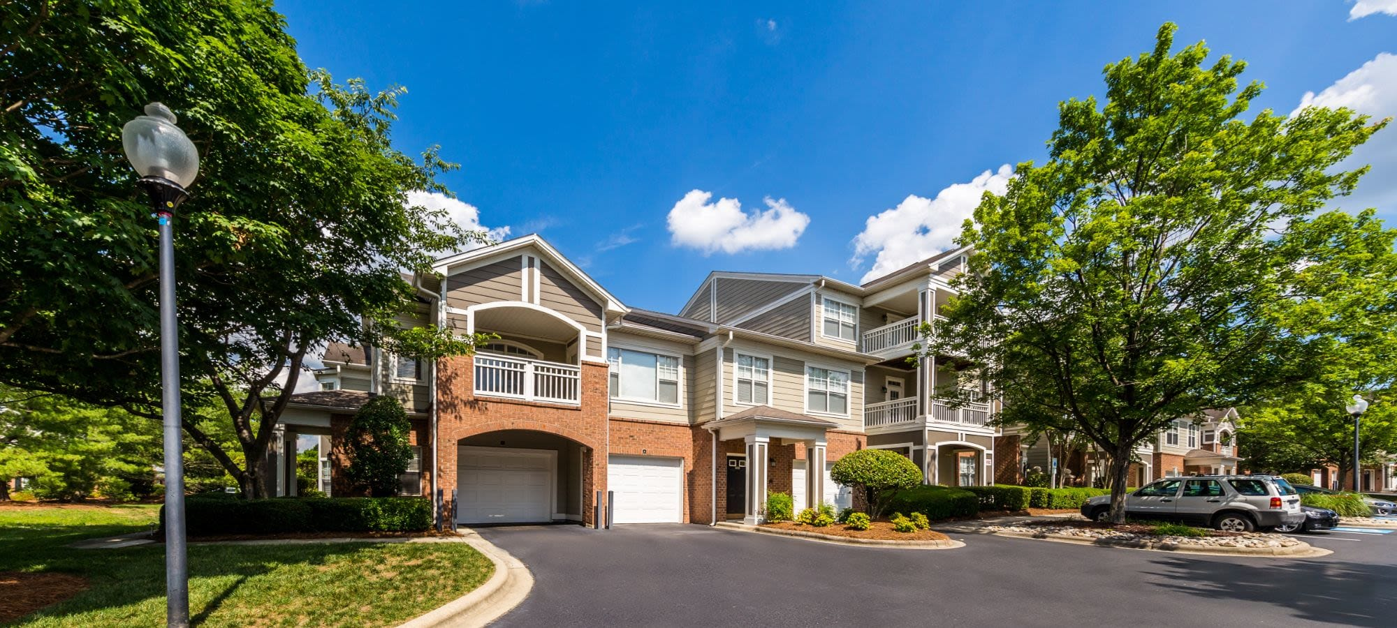 Apply to live at The Preserve at Ballantyne Commons in Charlotte, North Carolina