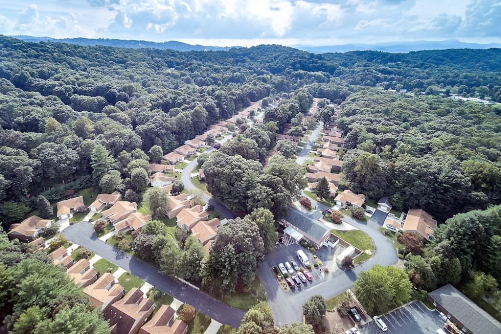 Aerial IL Community at Pacifica Senior Living Heritage Hills in Hendersonville, North Carolina