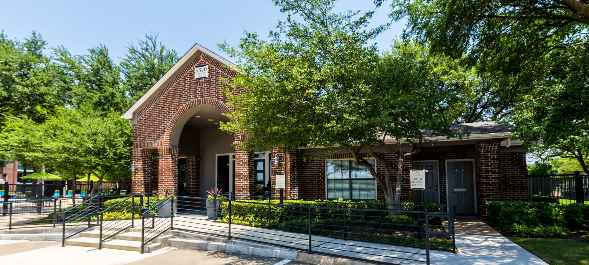 Schedule a tour of Marquis at Legacy in Plano, Texas