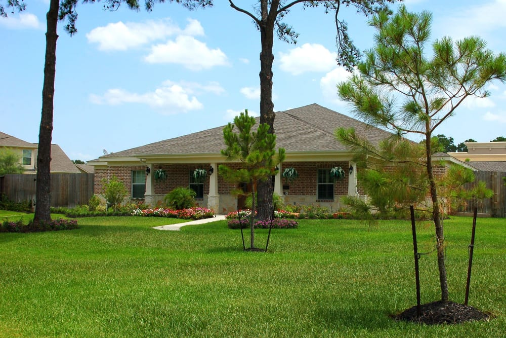 Landscaping in front of Autumn Grove Cottage at Champions in Spring, Texas