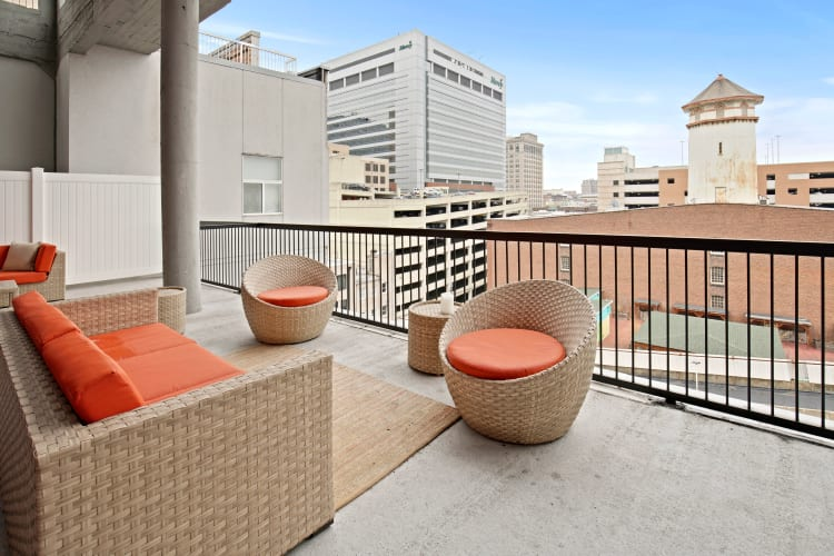 Community patio with a view at 222 Saratoga in Baltimore, Maryland