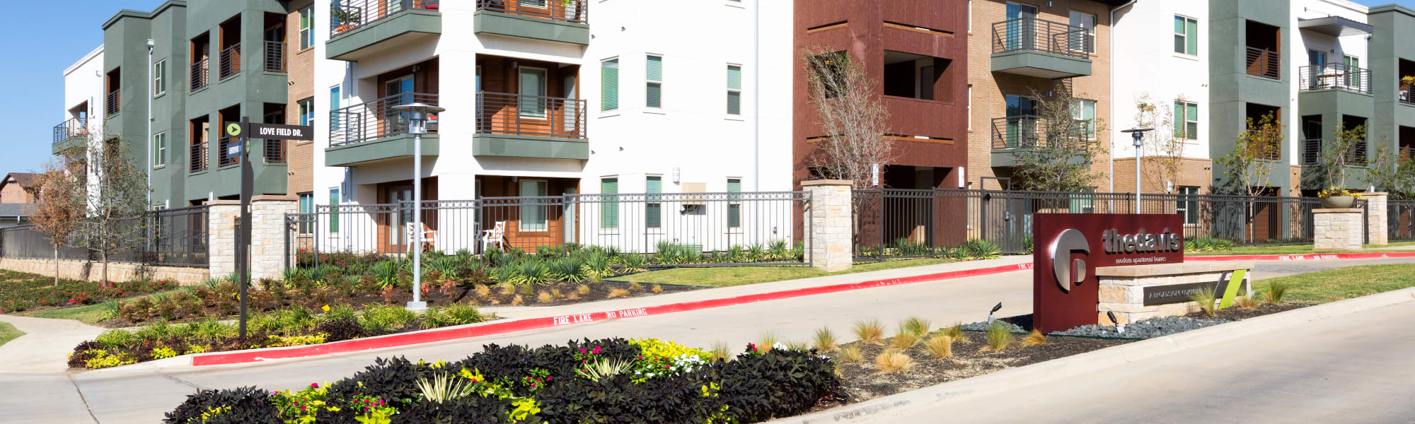 Neighborhood at The Davis in Fort Worth, Texas