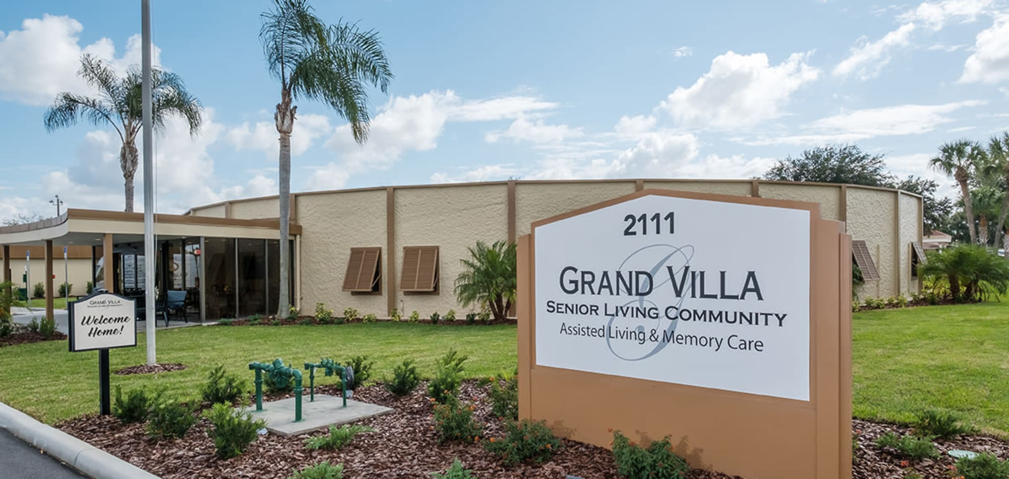 Senior living at Grand Villa of Lakeland in Florida