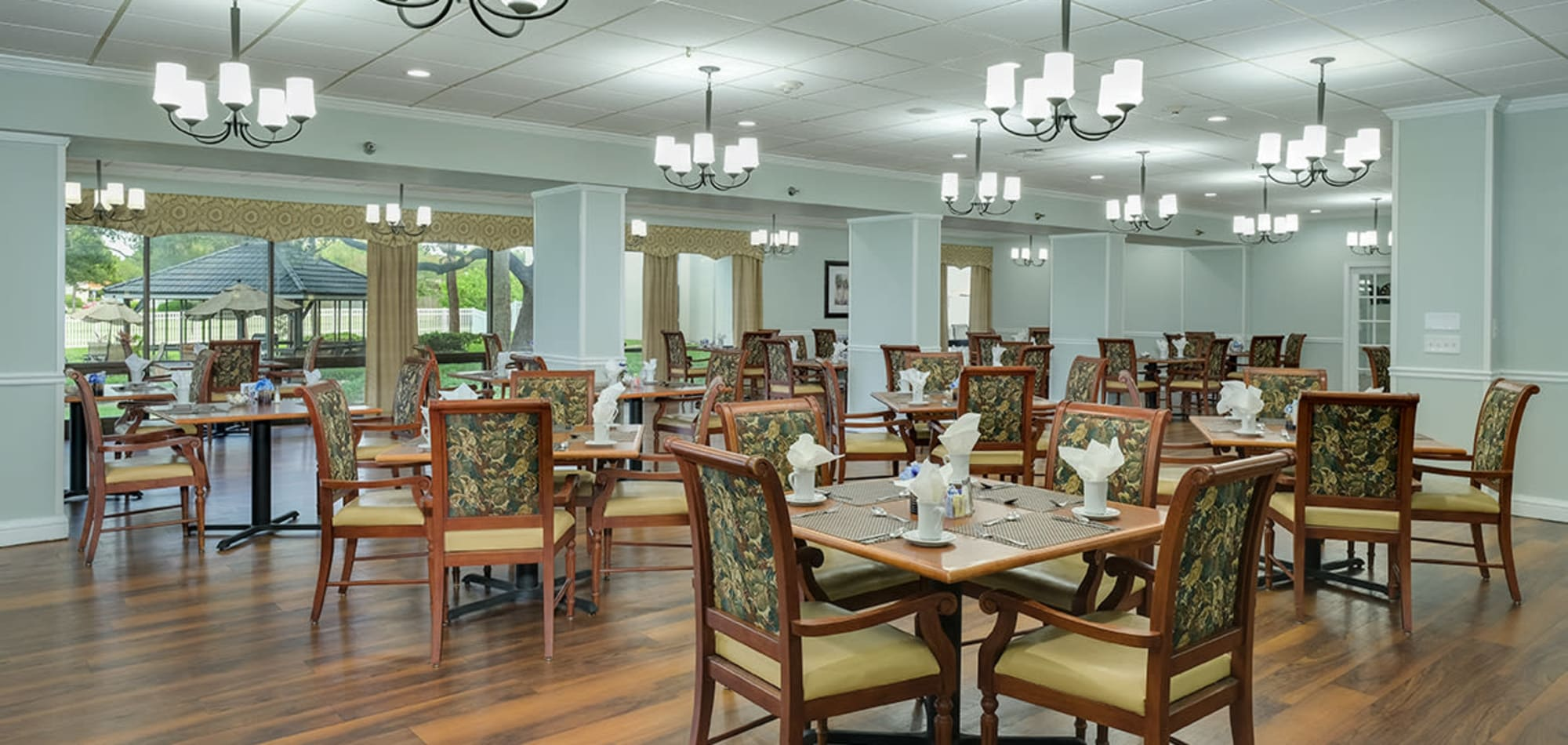 Senior living at Grand Villa of Clearwater in Florida