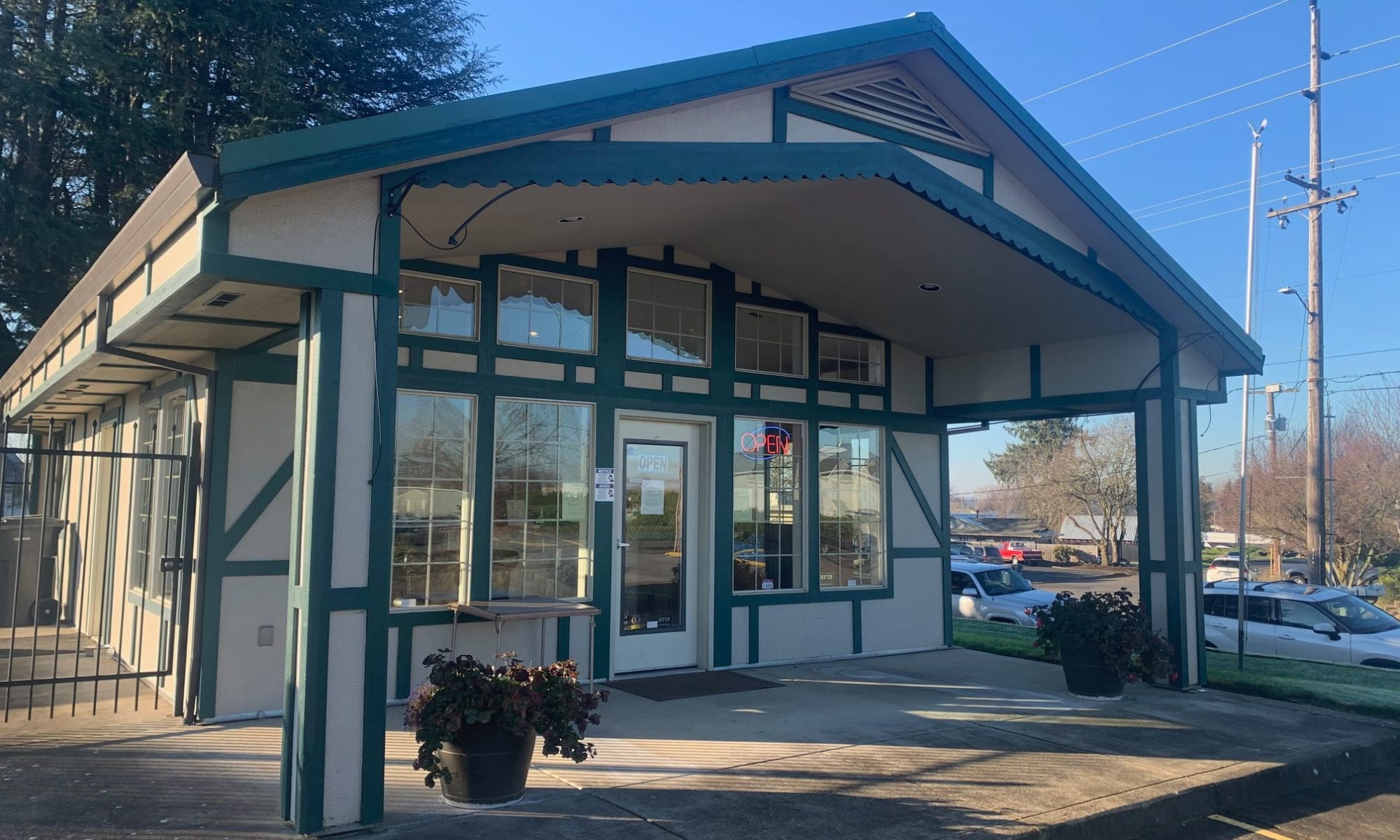 Welcome to self storage in Mount Angel, OR