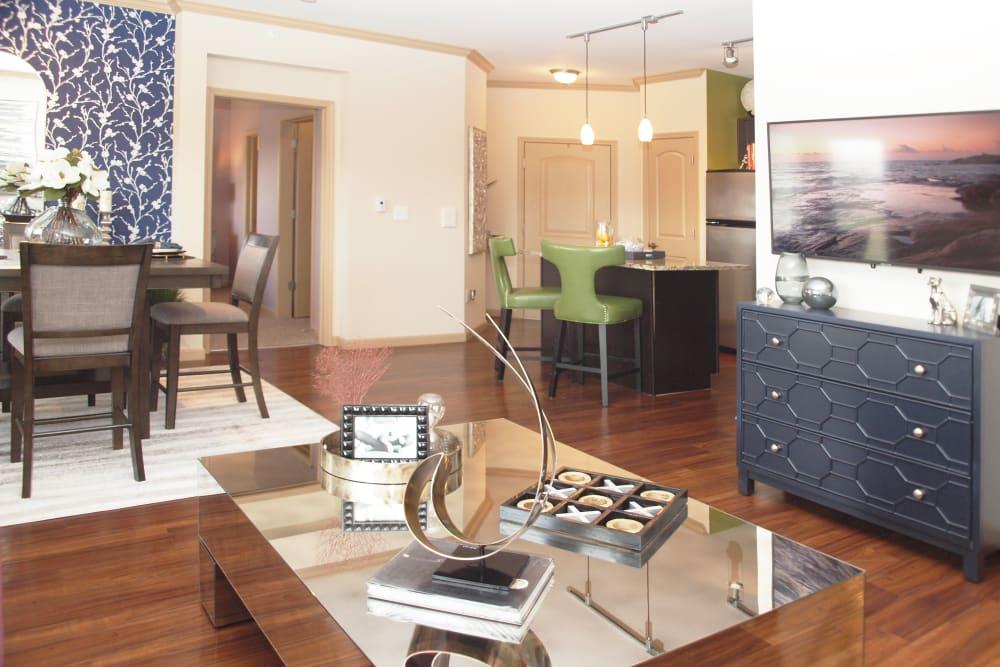 Living Room at Palmera Apartments in Mason, Ohio