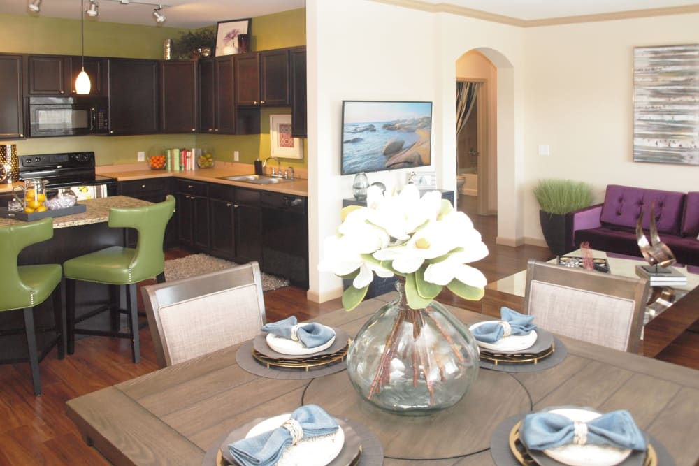 Our Unique Apartments in Mason, Ohio showcase a Kitchen, dining room & living room
