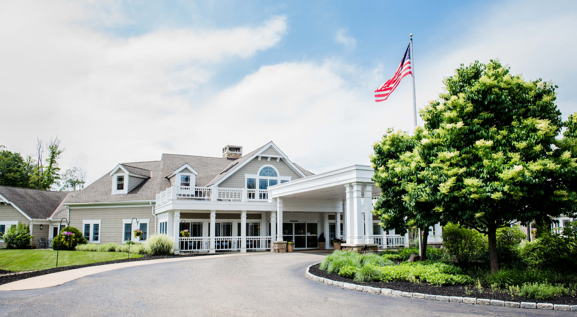 Senior living at Maplewood at Chardon in Chardon, Ohio