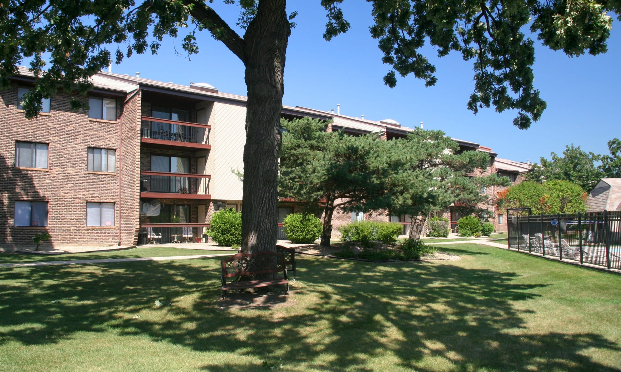 Oak Forest Il Apartments In Cook County Rustic Oaks
