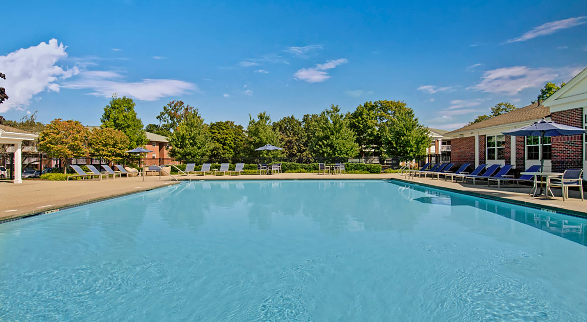 Amenities at Gardencrest in Waltham, Massachusetts